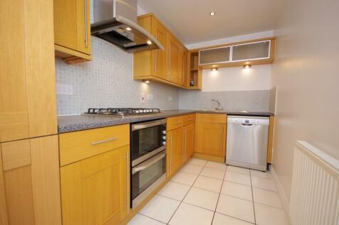 HENDON LANE, FINCHLEY, N3. 2 bedroom flat