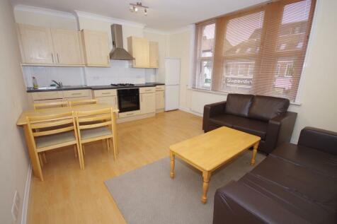 BALLARDS LANE, FINCHLEY, N3. 2 bedroom flat