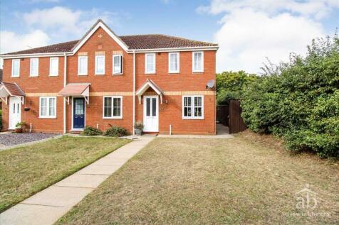 Banyard Close, Ipswich. 2 bedroom end of terrace house
