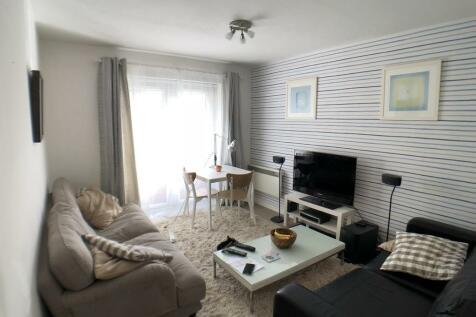 Wavel Place, Sydenham, SE26. 2 bedroom ground floor flat