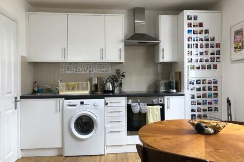 Upper St James's St, Brighton, BN2 1JN. 3 bedroom flat
