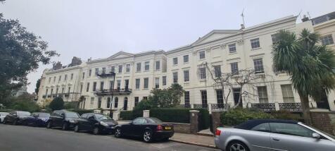 Montpelier Crescent, Brighton BN1 3JJ. 1 bedroom flat