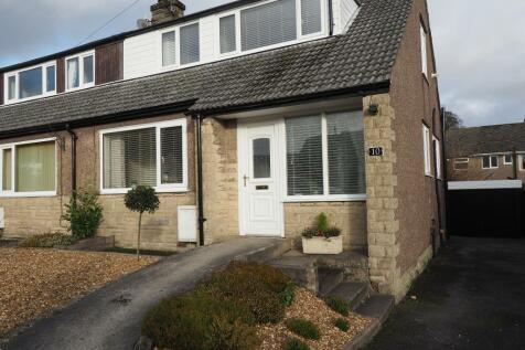 Horsefair Avenue, Chapel-en-le-Frith, High Peak, Derbyshire, SK23 9SQ. 3 bedroom semi-detached house