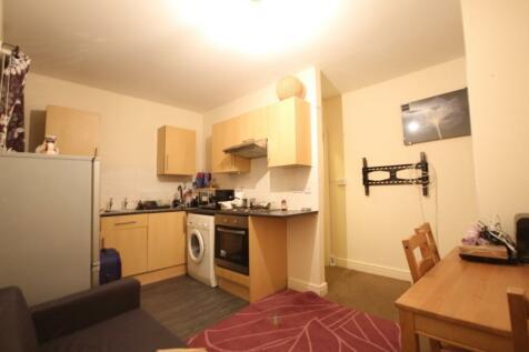 Northfield Street, Worcester. 1 bedroom flat
