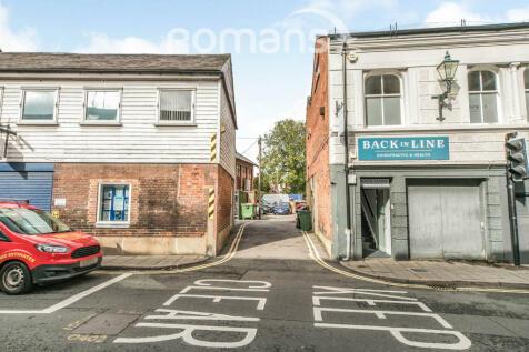 Tuns Lane, Henley on Thames. 2 bedroom apartment