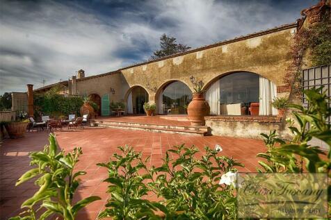 Casciana Terme, Tuscany, Italy. 5 bedroom villa for sale
