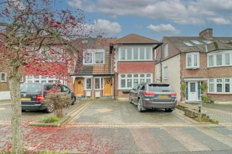 Holly Hill, Winchmore Hill. 3 bedroom semi-detached house for sale