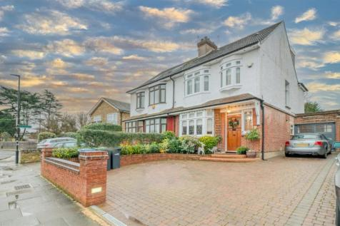 Vicars Moor Lane, Winchmore Hill. 4 bedroom semi-detached house for sale