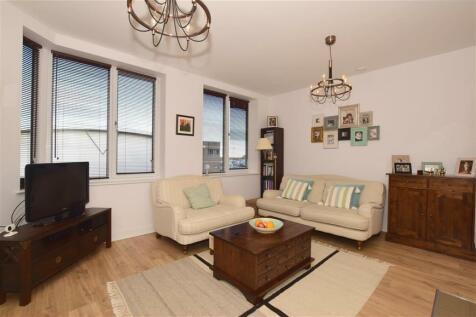 36 Sutton Court Road Sutton SM1. 2 bedroom apartment