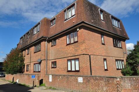 Brighton Road Salfords RH1. 1 bedroom apartment