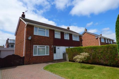 HIGHFIELD ROAD, RIPON, NORTH YORKSHIRE, HG4 2JZ. 3 bedroom semi-detached house