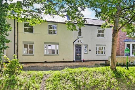 High Street South, Shincliffe, Durham, DH1. 4 bedroom terraced house