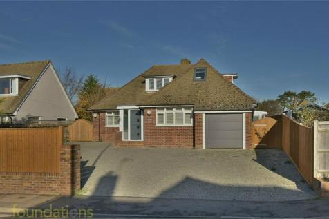 Wrestwood Road, BEXHILL-ON-SEA, East Sussex. 4 bedroom chalet for sale