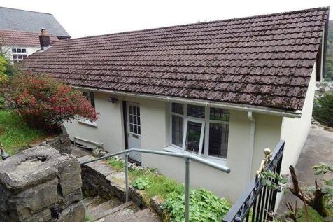 West Bank, Cwmtillery, NP13 1RE. 3 bedroom detached bungalow for sale