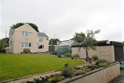 Llangynidr Road, Beaufort, Ebbw Vale, NP23 5EY. 5 bedroom detached house