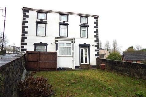 Morgan Street, Tredegar, NP22 3ND. 4 bedroom end of terrace house for sale
