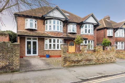 Central Windsor SL4. 6 bedroom detached house for sale