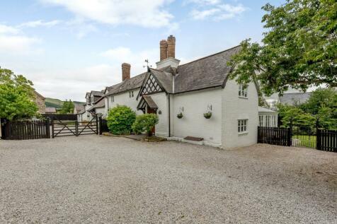 Ruthin, Denbighshire. 5 bedroom detached house