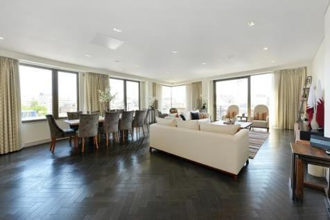 Westbourne House, 14-16 Westbourne Grove, Paddington W2. 3 bedroom flat