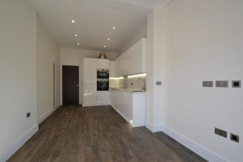 Lammas Park Road, Ealing, W5. 2 bedroom flat