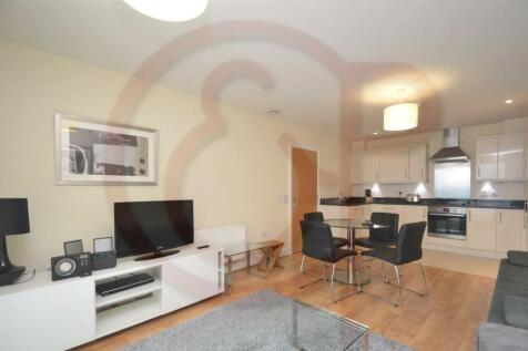 Glenthorne Road, Hammersmith, W6. 2 bedroom flat