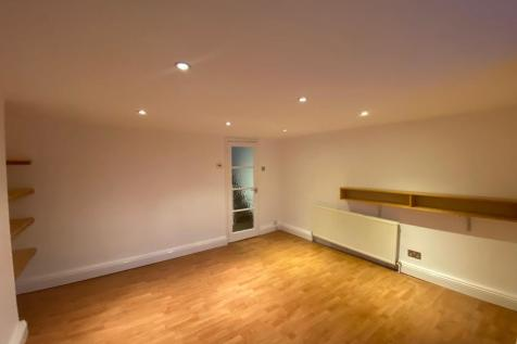 Devonshire Place, BRIGHTON. 2 bedroom flat