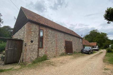 Brandon Road, Hilborough. 4 bedroom barn conversion