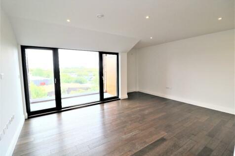 Brindley Place, Uxbridge, Greater London, UB8. 2 bedroom apartment