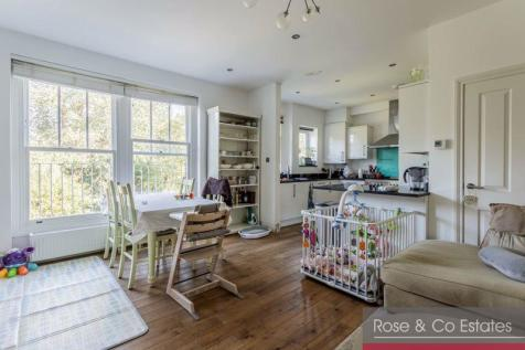 Compayne Gardens, South Hampstead NW6. 3 bedroom duplex for sale