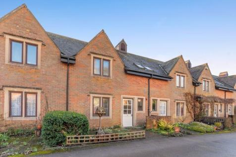 Manor Court, Swan Road, Pewsey. 2 bedroom cottage for sale