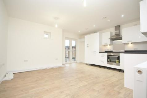Stafford Avenue, Hornchurch, RM11. 2 bedroom flat