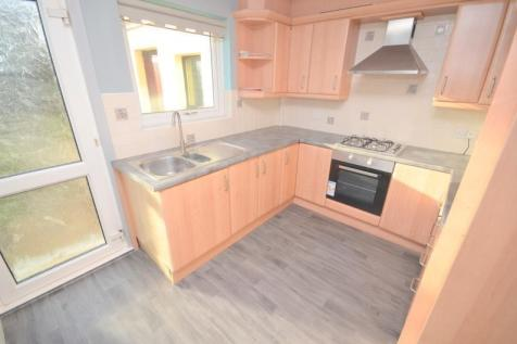 Southend Arterial Road, Hornchurch, RM11. 4 bedroom house