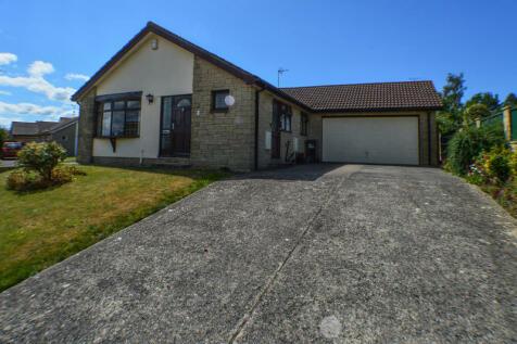 Sutton Grange, Yeovil. 3 bedroom bungalow