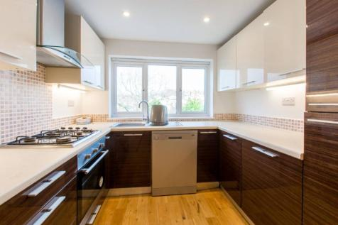 Ashely Road, Crouch End, London, N19. 3 bedroom flat