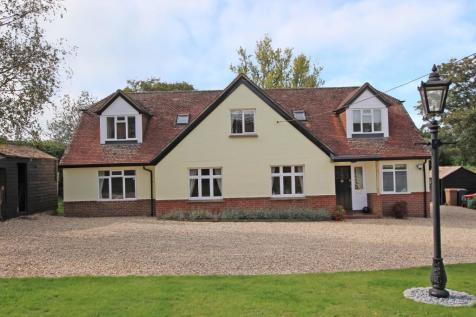 Yokesford Hill, Belbins. 5 bedroom detached house