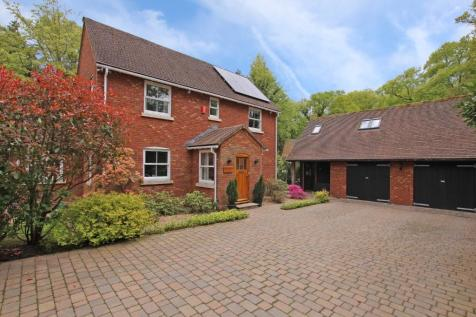 Old Calmore. 4 bedroom detached house