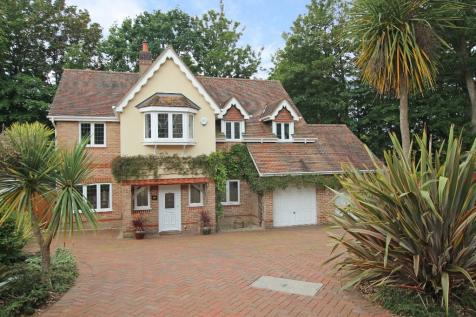 Rownhams. 5 bedroom detached house