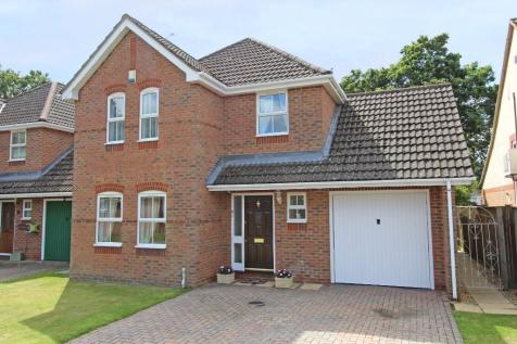 Attractive family home with complete chain in Totton. 4 bedroom detached house