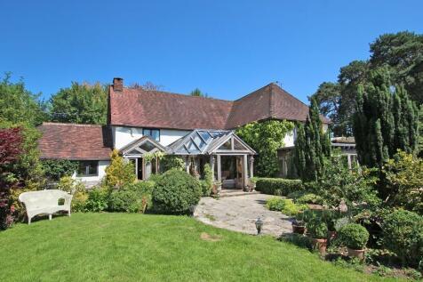 Landford Wood. 3 bedroom detached house