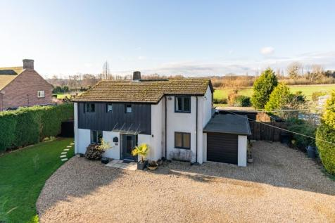 Timsbury. 4 bedroom detached house