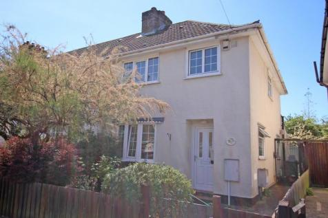Shirley. 3 bedroom end of terrace house