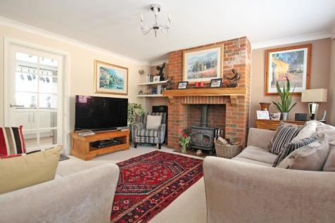 Whiteparish. 3 bedroom terraced house