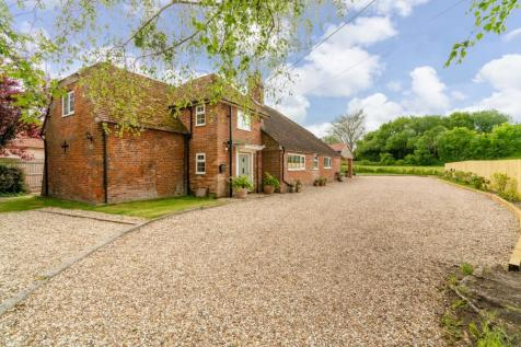 Whaddon. 5 bedroom detached house