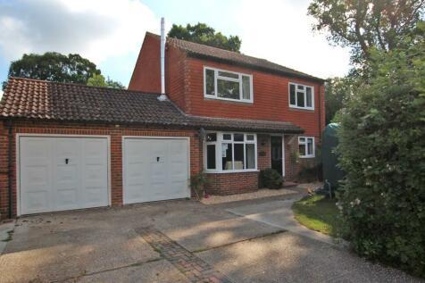East Wellow. 4 bedroom detached house