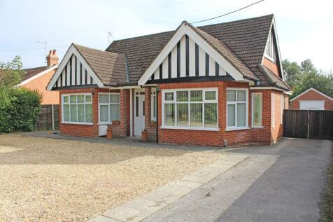 Romsey. 5 bedroom detached bungalow