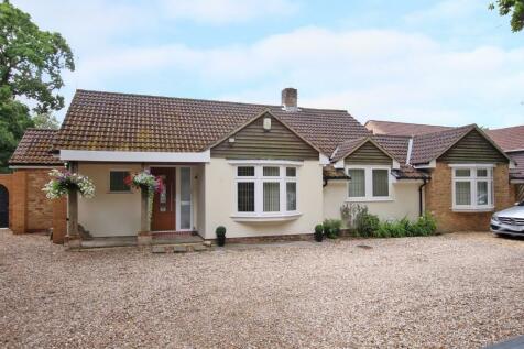 Chilworth. 3 bedroom detached bungalow