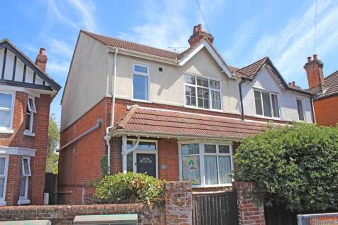 Upper Shirley. 3 bedroom semi-detached house