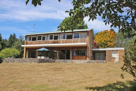 Chilworth. 4 bedroom detached house
