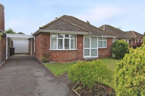 North Baddesley. 2 bedroom detached bungalow