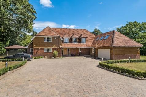Canada Common. 5 bedroom detached house